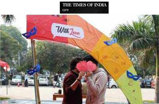 Photobooth for LGBT couples at this Valentine's Carnival in Gurgaon